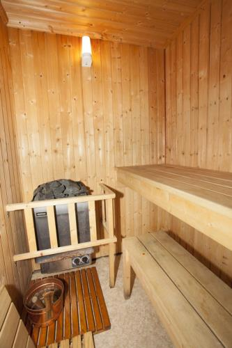Nordic - Finish sauna at Rhos Wen Cottage and Hendre Farmhouse. Can seat 3 - 4 persons