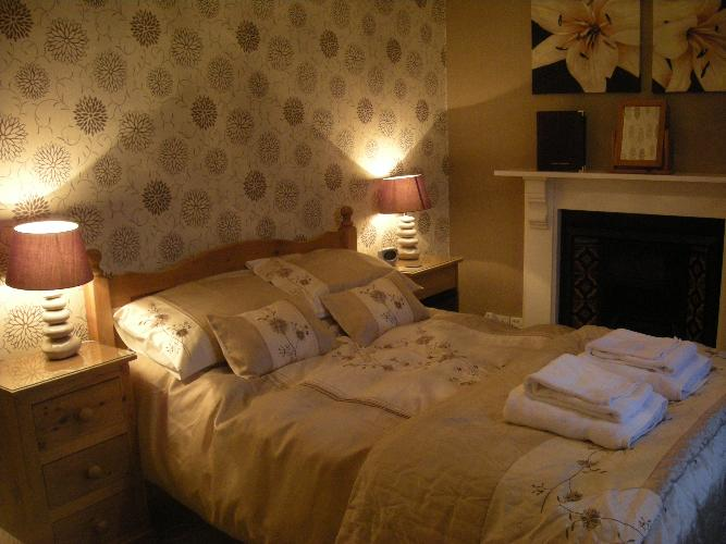 Caer Menai Bedroom - Caernarfon Bed and Breakfast