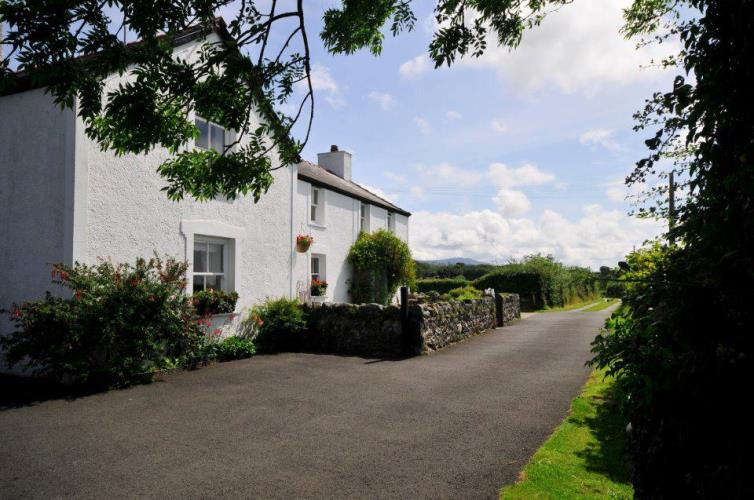 Snowdonia Family and Group Cottage Accommodation Late Availability Snowdon