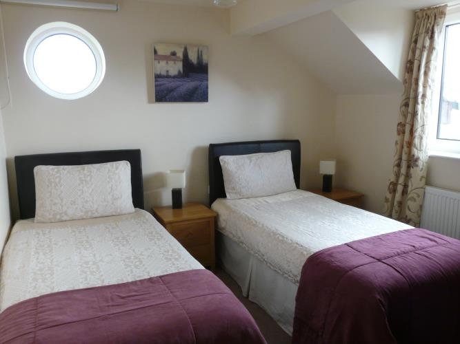 Twin Bedroom - Beach Cottage - Moelfre - Anglesey Holiday Cottage
