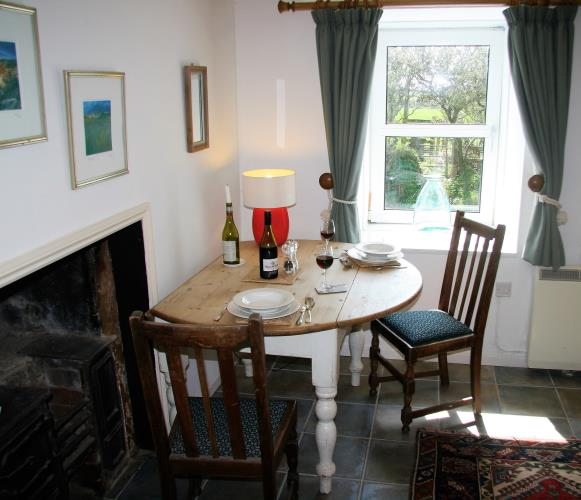 Additional dining table in the large living room