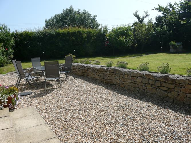 Patio - Dafarn Rhos Cottage Moelfre - Anglesey Coastal Cottage
