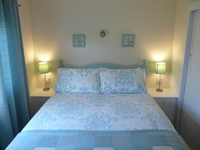 Bedroom - Beach Lodge - Anglesey Coastal Cottage - Moelfre