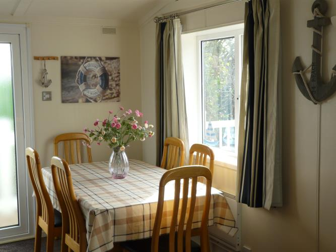 Dining Table - Beach Lodge - Anglesey Coastal Cottage - Moelfre