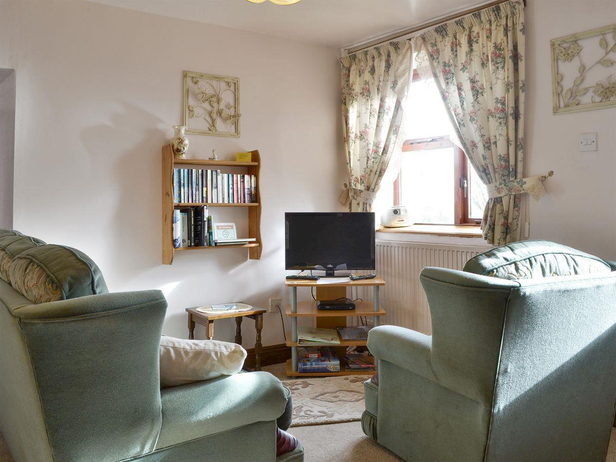 Lounge - The Stables Holiday Apartment, Moelfre, Anglesey