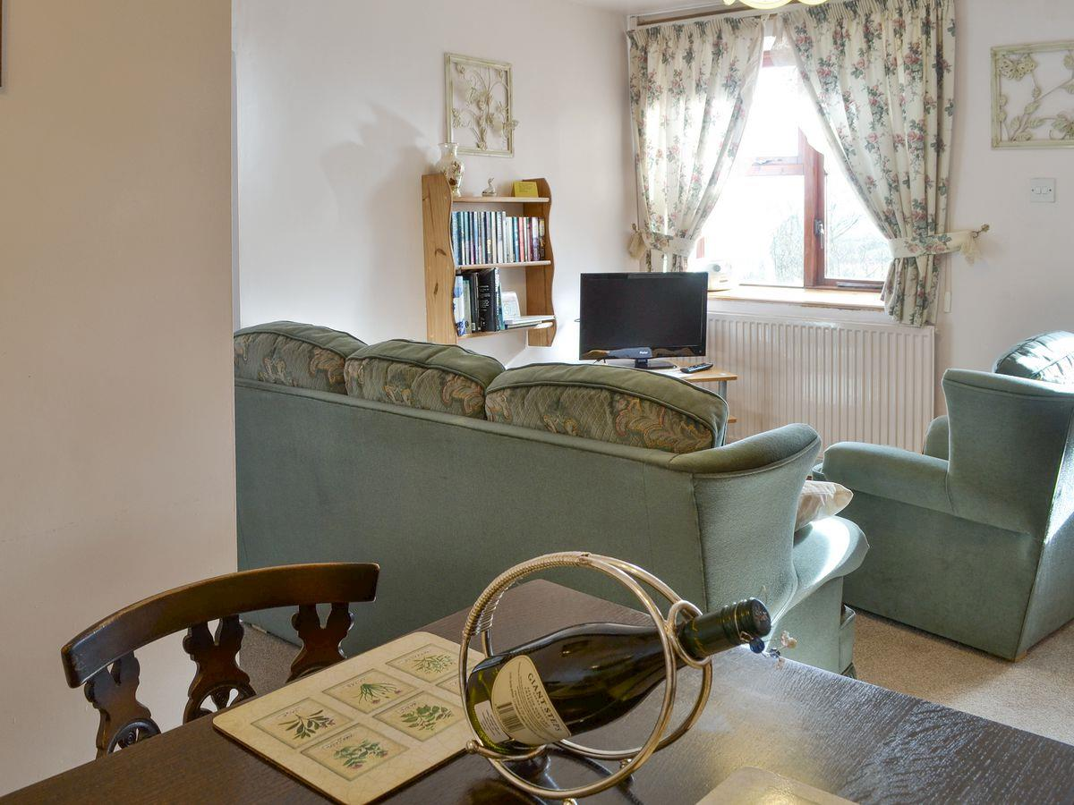 Dining - The Stables Holiday Apartment, Moelfre, Anglesey