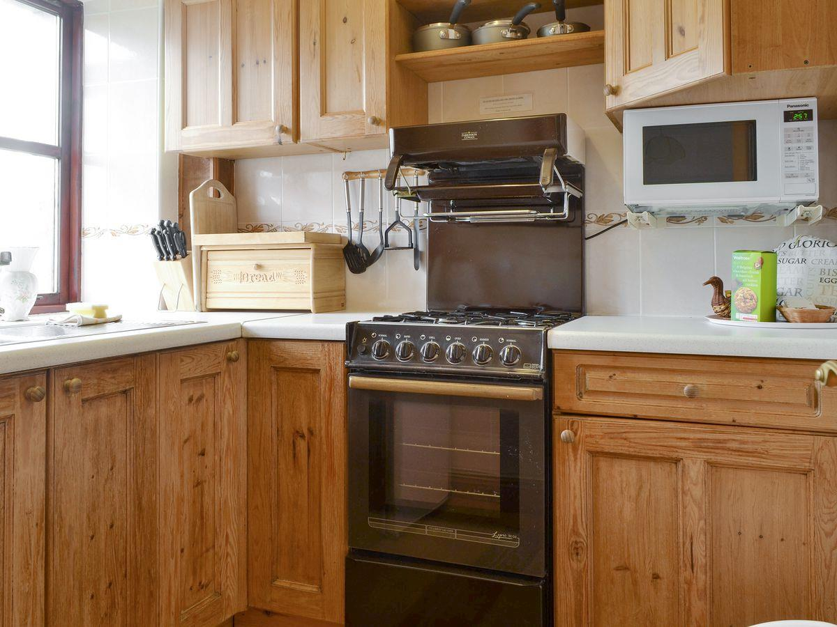 Kitchen Area - The Stables Holiday Apartment, Moelfre, Anglesey