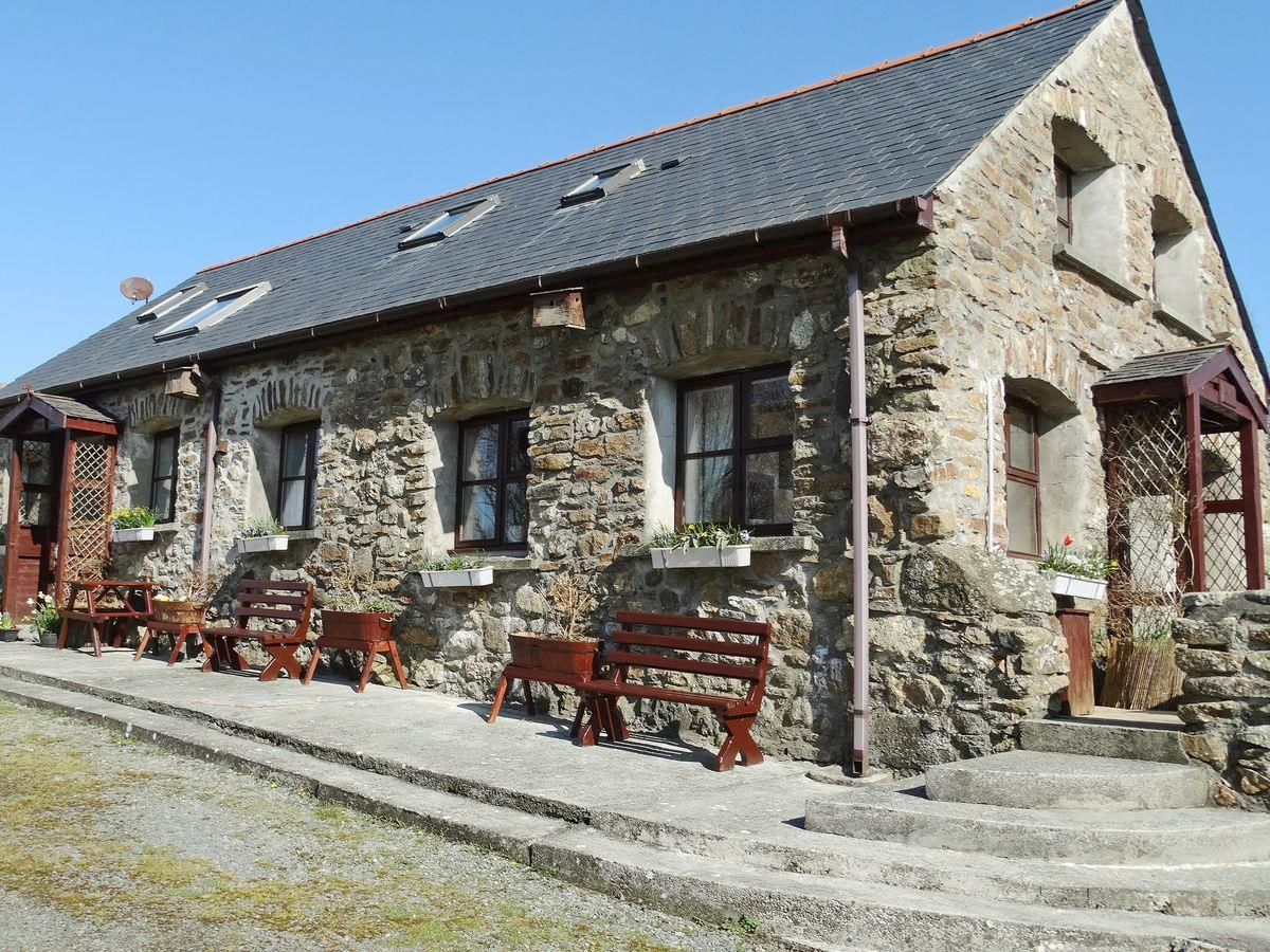 The Stables Holiday Apartment, Moelfre, Anglesey