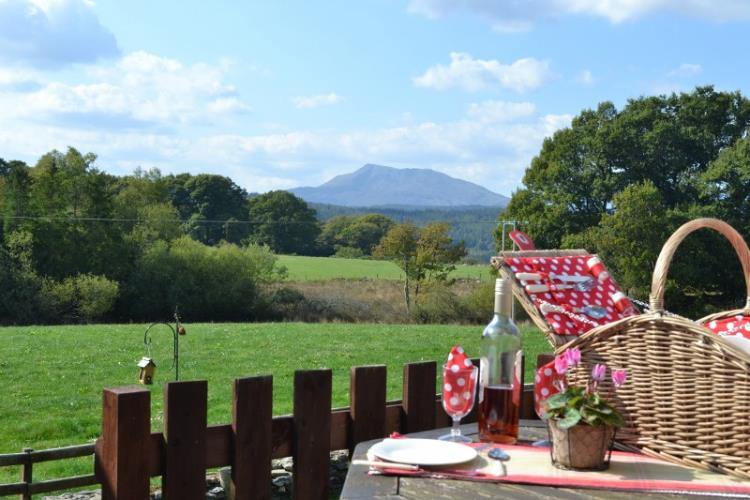 View of Siabod mountain from your patio in Siabod Cottage
