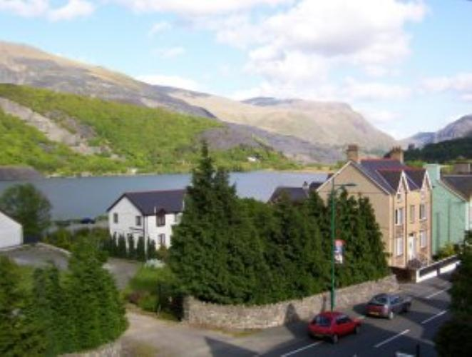 Central llanberis hotel the alpine lodge hotel for The alpine lodge