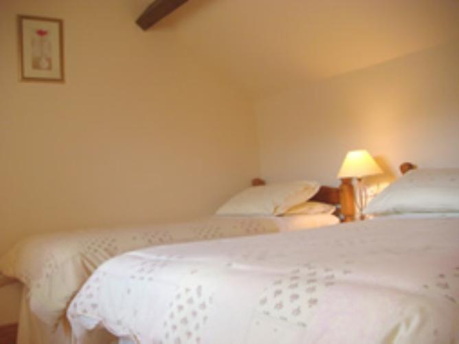 Twin room - Rhiwlas Cottages - Anglesey Coastal Cottages - Near Moelfre