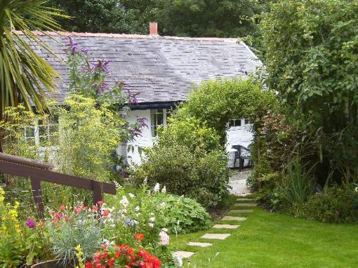 Enchanting Places to Stay in West Wales