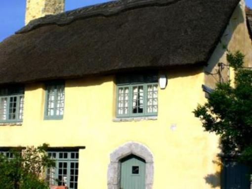 Cardiff Thatched Holiday Cottage