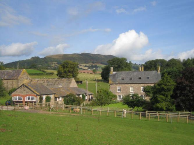 Photo Cefncoedbach Farm Holiday Cottages Brecon Beacons