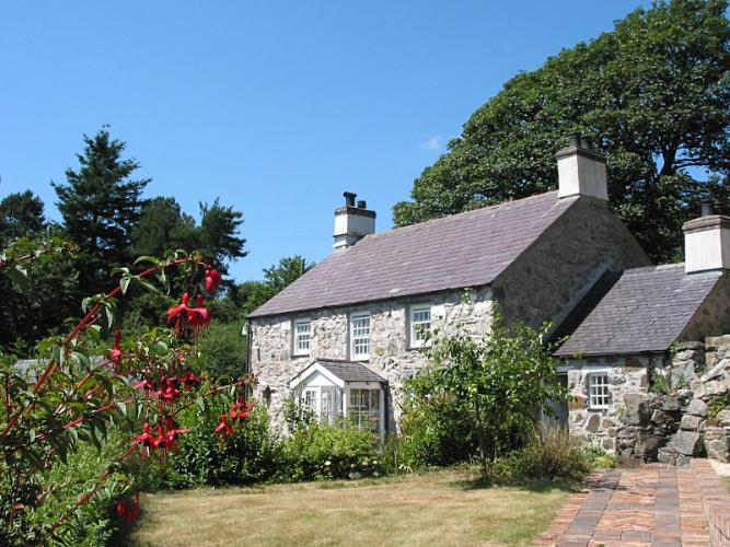 Beaumaris Holiday Cottage Berclas Self Catering Cottage