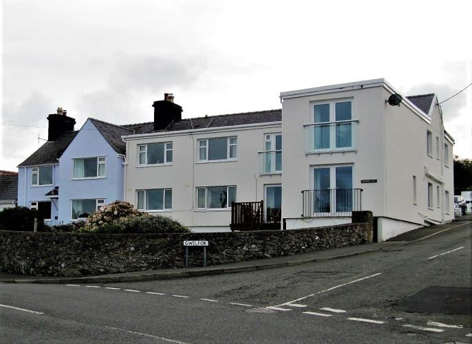Quayside Holiday Apartment - Cemaes Bay, Anglesey
