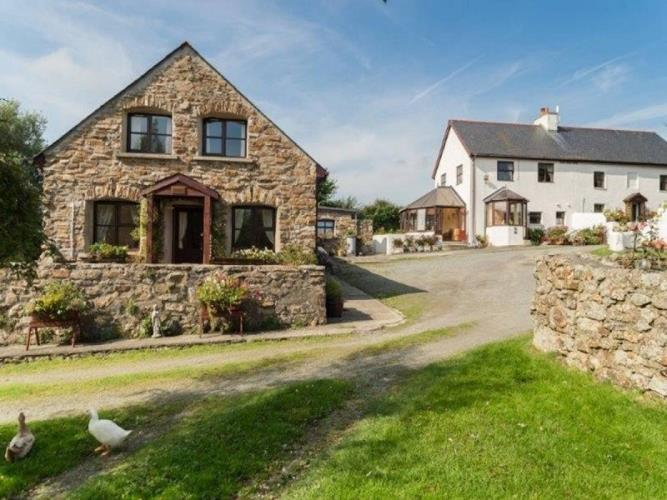The Smithy Holiday Apartment - Near Moelfre, Anglesey