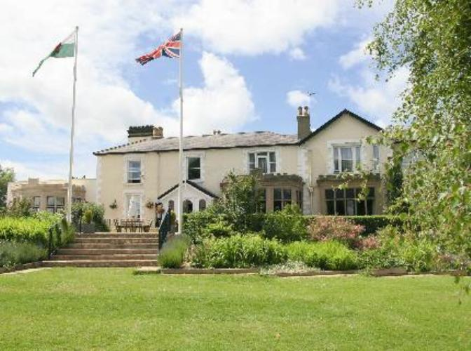 Queensferry hotel northop hall country house wales for Country house online